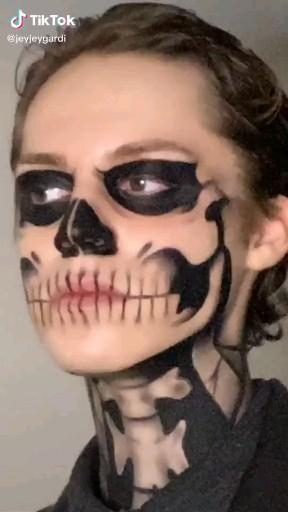 Edgy Makeup, Sfx Makeup, Costume Makeup, Crazy Halloween Makeup, Halloween Kostüm, Maleficent Makeup, Skull Makeup Tutorial, Skeleton Makeup, Horror Makeup