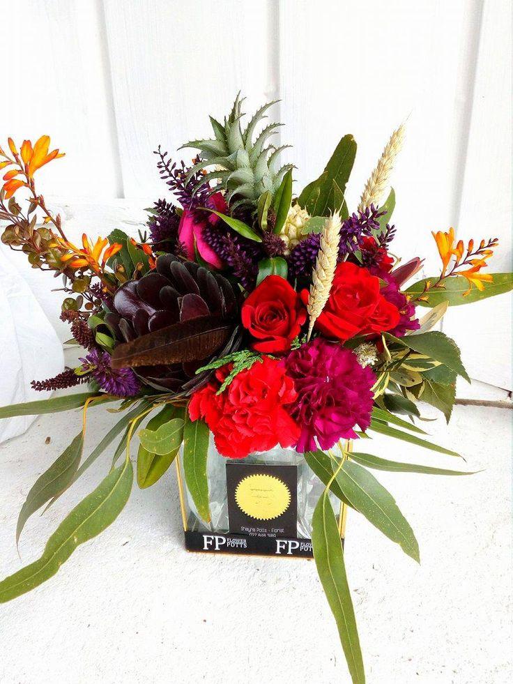 Flower Potts Vase Arrangement flowerpotts.co.nz Florist Hawera Red