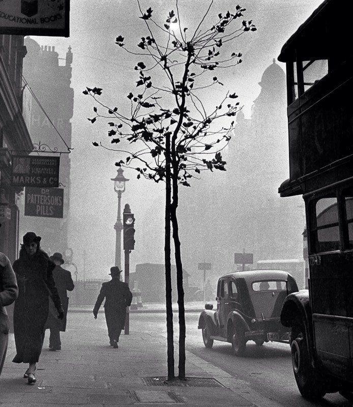 Charing Cross Road, 1937. #oldlondon.