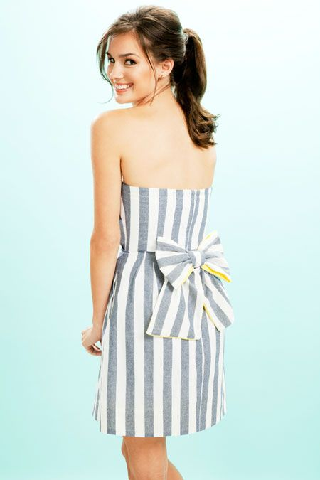 @Brides features a striped bridesmaid dress with a bow by @Kirribilla