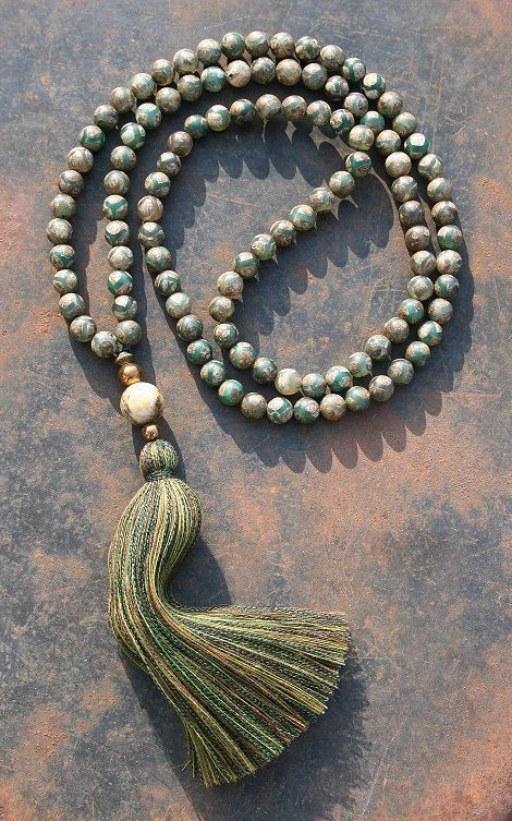 Mala necklace made of 108, 8 mm - 0,315 inch, very beautiful Tibetan style agate gemstones and decorated with hematite and jade - look4treasures on Etsy