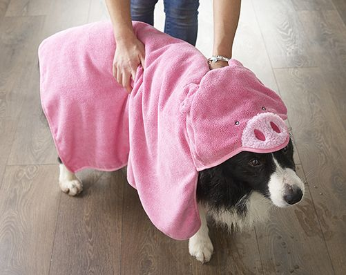 After your pet takes a bath, dry them off and wrap them up with this animal hooded pet towel. You don't want your dog or cat shaking themselves off and dripping all over your floor. Machine washable. L23 x 38.5cm