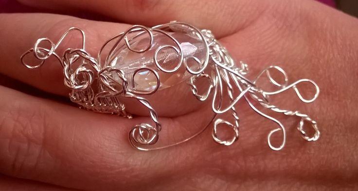 Anello argento e  cristallo bianco