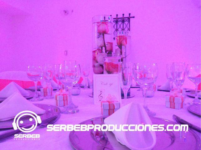 Decoración Mandarina con Blanco  Sí deseas ver todas las fotos de esta decoración, haz clic en el siguiente enlace http://serbebproducciones.com/index.php/decoraciones-de-eventos/decoraciones-para-bodas/48-decoracion-boda-mandarina-con-blanco/198-arbol-de-los-deseos.html