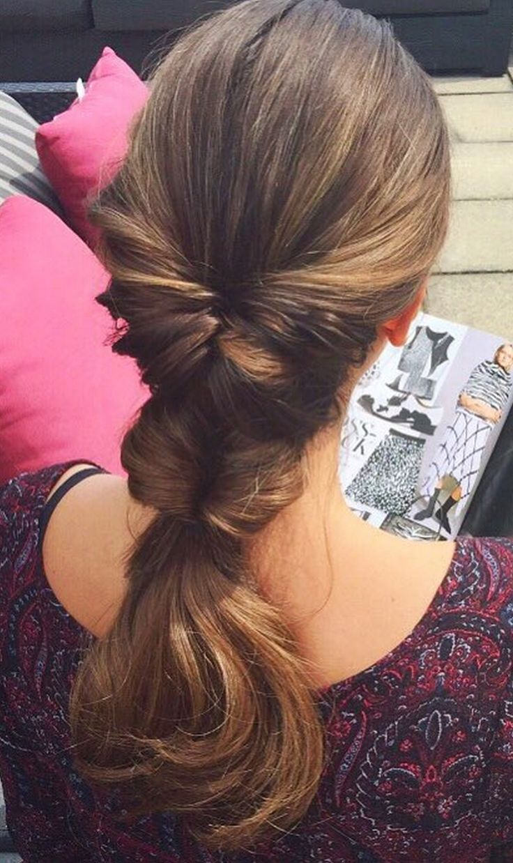 This voluminous ponytail is a perfect hairstyle for any occasion! Liliya used Chestnut Brown Luxy Hair Extensions to add more volume and length to this style <3 #luxyhair #summer #hairstyle Photo https://instagram.com/liliyakay/