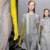 IN BEELD. Raf Simons voor Dior fleurt modeweken op - De Standaard