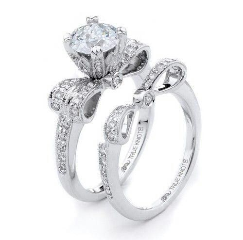 The Hottest Engagement Ring Trends for 2013