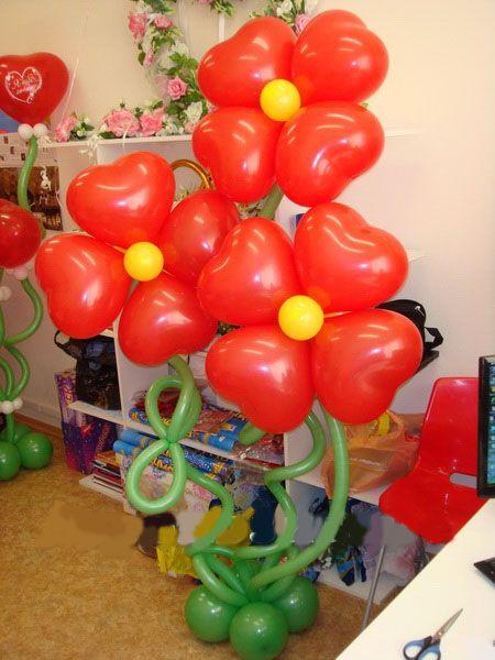 Как украсить комнату шарами из цветов