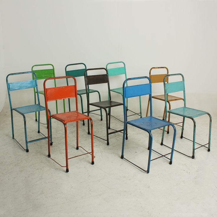 Chaise de bistrot / Indonesian Table Chairs est en stock chez K-LINE en différentes couleurs