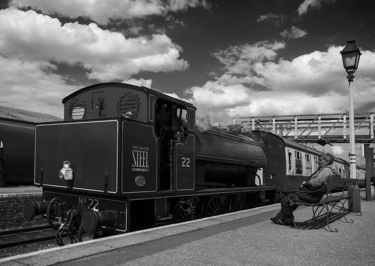 Driver of No.22 takes a break in between services © Graham