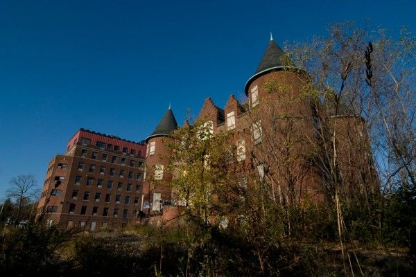 Samuel R. Smith Infirmary, Staten Island. Abandoned since 1979, demolished earlier this year.