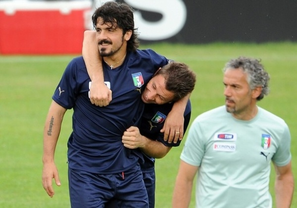 Italian midfielder Gennaro Gattuso (L) and Italian forward Antonio Cassano (R) joke as Roberto Donadoni, coach of the Italian national football team looks on during a training session of the Italian national football team in Maria Enzersdorf on June 11, 2008. Italy will play against Romania in group C of the Euro 2008 football tournament at the Letzigrund stadium in Zurich on June 13, 2008 (AFP/Getty Images)