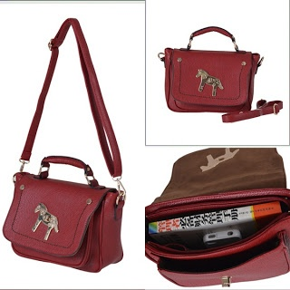 Deskripsi Produk    Model : Tas Import Premium model Horse Satchel dan Selempang bahan Kulit Leather PU  Code : Bag B282    harga  : 250.000    Detail : MATERIAL PU SIZE L28XH19XW10CM,STRAP 110CM WEIGHT 660GR COLOR RED,BLACK,YELLOW    *Semua tas READY STOCK, 100% IMPORT & HIGH QUALITY    How to Order:  TEXT US @ 0853 10847007    with format:  ITEM CODE + COLOUR  NAME  ADDRESS  HANDPHONE NUMBER  PAYMENT MODE (ATM BCA/MANDIRI)  (Format sms tidak benar tidak akan dilayani)
