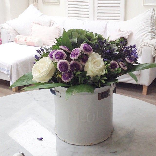 Buon pomeriggio…    Oggi vi lascio le immagini di una romanticissima casa inglese…                                       ...