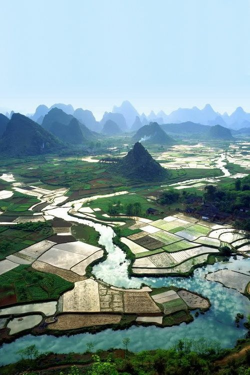 Terraces at Guilin, Guangxi, China桂林山水甲天下