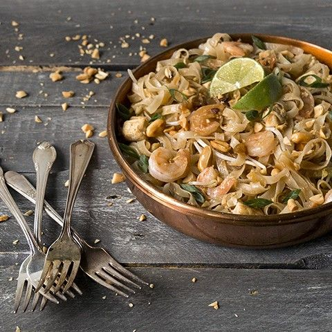 This Pad Thai features our Lime Fused Olive Oil and Leongrass Mint White Balsamic, a combo that will surely satisfy your tastebuds.