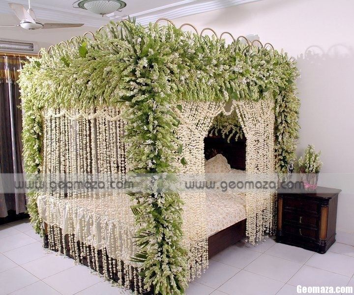 17 best images about wedding room decoration on pinterest for Bed decoration by flowers