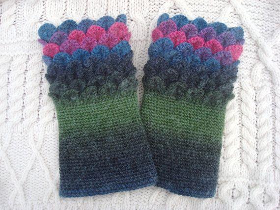 Crocodile Stitch Crochet Wrist Warmers Ocean by SelkieCrochet, $25.00