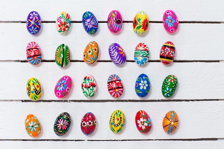 Ręcznie malowane drewniane jajko - pisanka ludowa