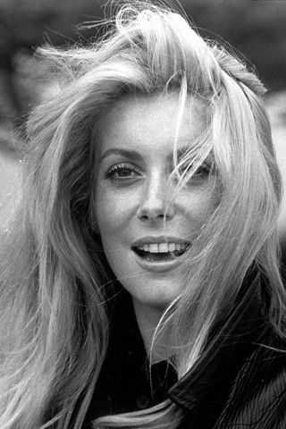 Catherine Deneuve #girlskickass