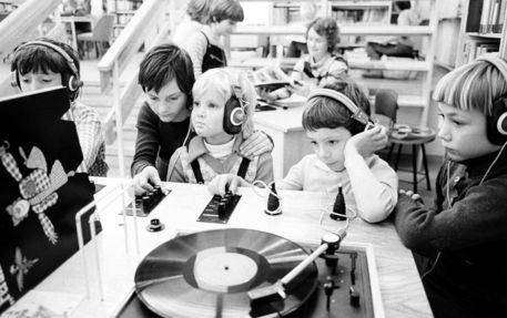 Children's library in Berlin (01.12.1982)