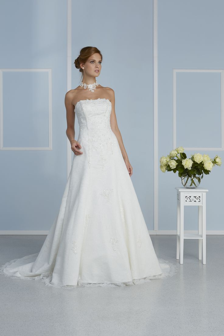 8 best Brautkleider images on Pinterest | Germany, Amor and Passion
