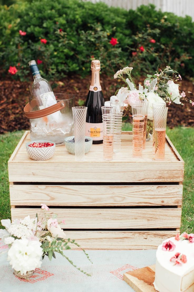 A summer picnic with Calder Clark studio and the perfect idea for celebrating the fourth!
