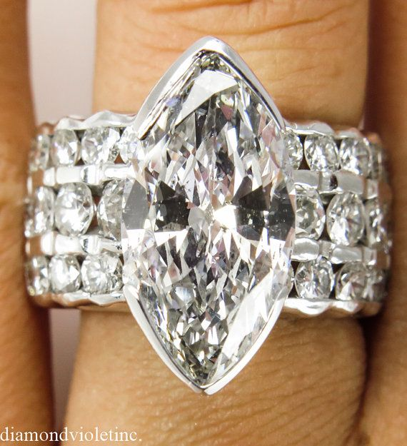 A real Statement!! A Magnificent designer Estate Vintage 18k White Gold (tested, makers mark) Engagement, Wedding or Anniversary ring with EGL USA