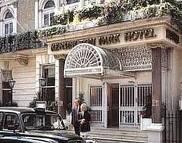 Thistle Kensington Hotel, London, England..cozy breakfast room