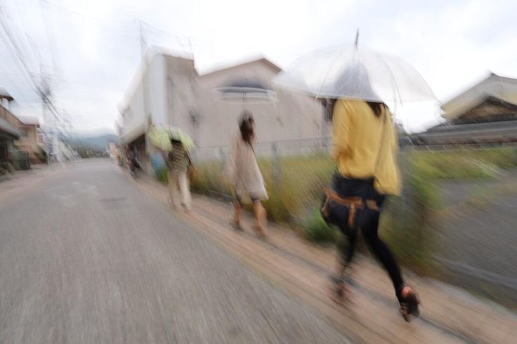 Twitter / hanaeru_odoi: #30jidori 雨が降り出し急ぎ足 http://t.c ...