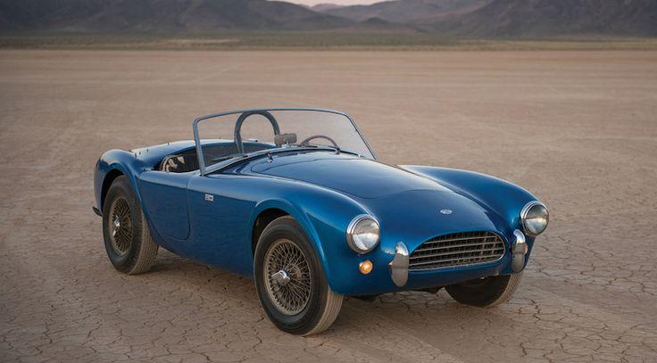 El primer Shelby Cobra bate el récord en subasta en un coche americano  Para saber más sobre los coches no olvides visitar marcasdecoches.org