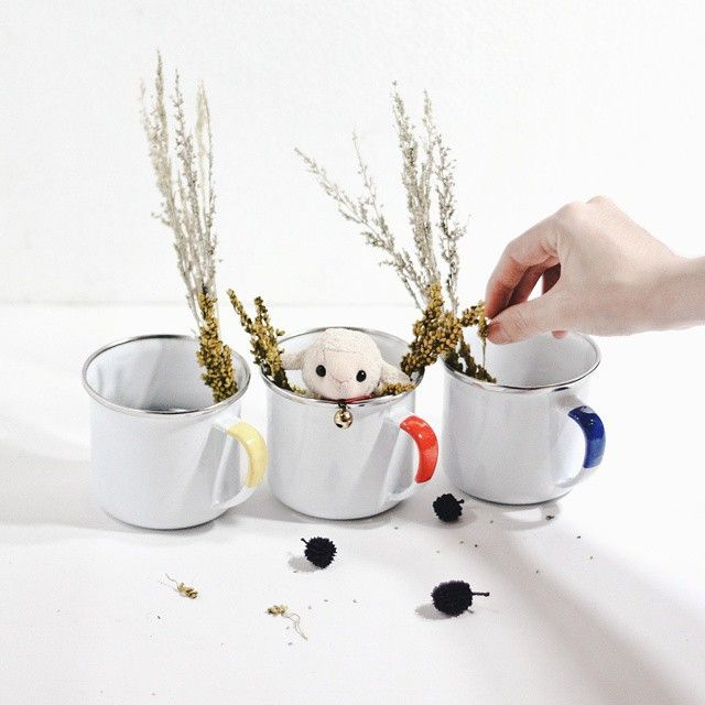 It's lunch time! Don't forget to have a good lunch, everyone.  #cestca #enamelmug #enamelware #handicraft #handmade #gift #giftideas #vintage #vintagestuff