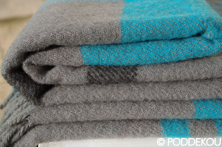 Sivo-modrá vlnená deka