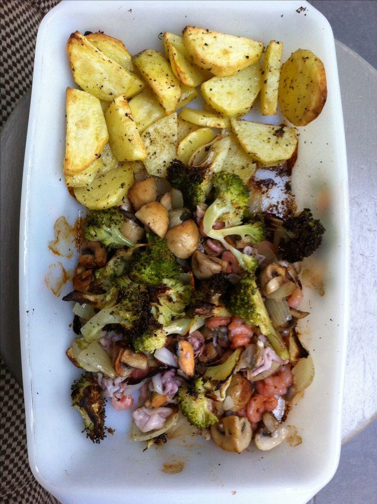 Geroosterde aardappelen & groenten met zeevruchten