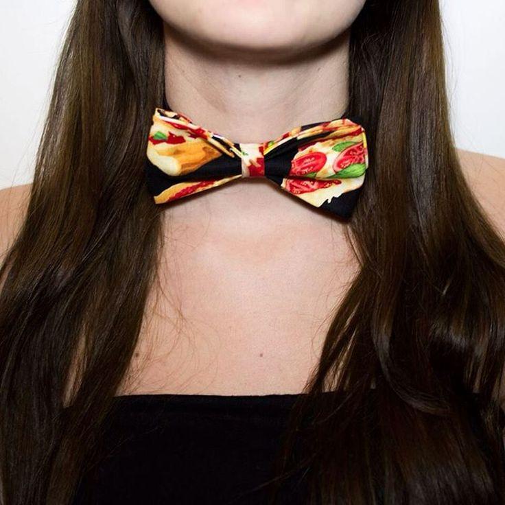 lespapillonsdulapin Pizza lover #papillon #handmade #pois #poislover #italy #milano #bowtie #menstyle #menfashion #menstuff #menaccessories #menswear #mensfashion #bowtielovers #papillonlovers #shop #gifts #gift #shopping #bowties #womanfashion