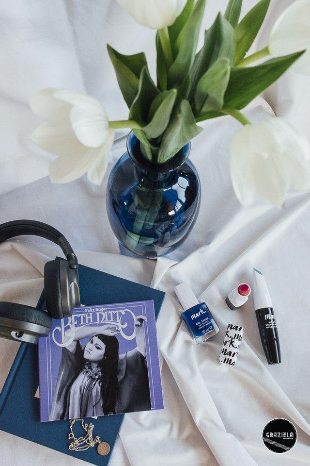 A roupa já está escolhida, o perfume também agora só falta mesmo escolher a maquilhagem para terminar o ano em beleza. A pensar nisso trago-vos as últimas novidades da linha Mark da Avon.  Saibam mais aqui. http://mycherrylipsblog.com/maquilhagem-para-o-fim-de-ano-com-avon-384600