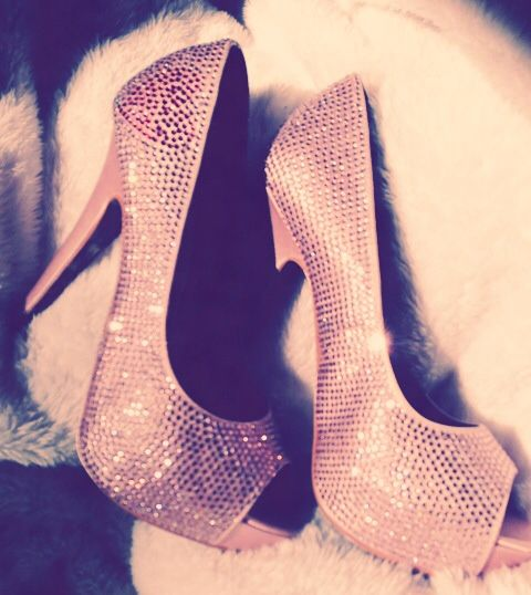 Sparkly heels<3<3 Love these.