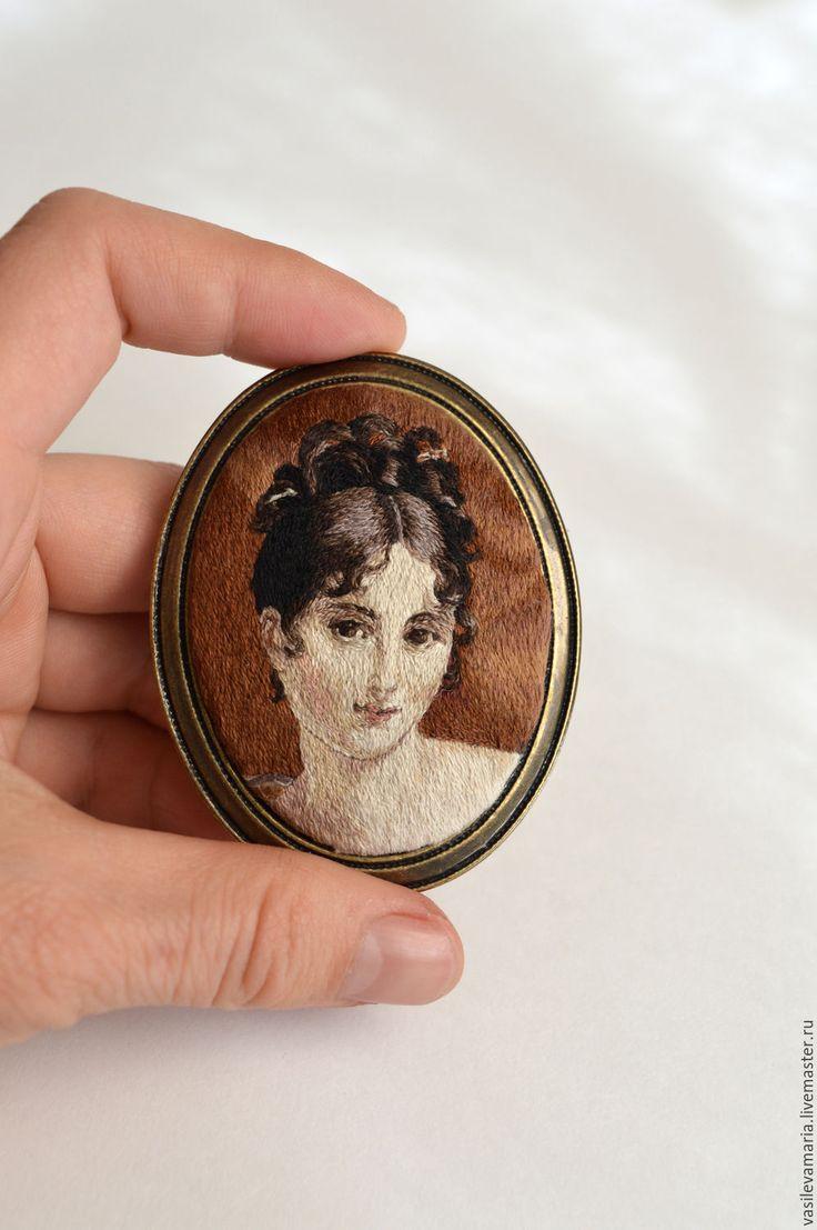 """Купить Брошь """"Мадам Рекамье"""" - комбинированный, портрет, искусство, вышивка, Вышивка гладью, ручная работа"""