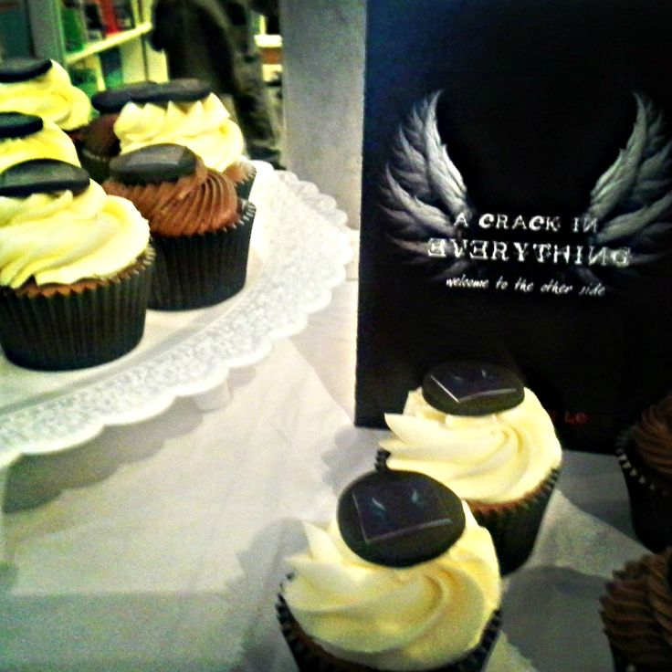 A Crack in Everything by Ruth Frances Long. Cupcakes by Mollys Cupcakes, Dublin