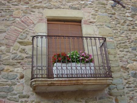 Barandillas de forja de dise o rejas para ventanas y - Escaleras hierro forjado ...