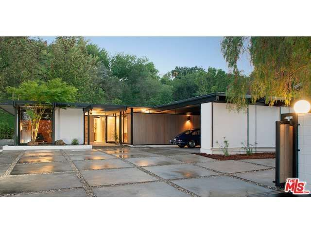 Driveway-Enjoy This Classic Midcentury Post and Beam in Sherman Oaks - Curbed LA
