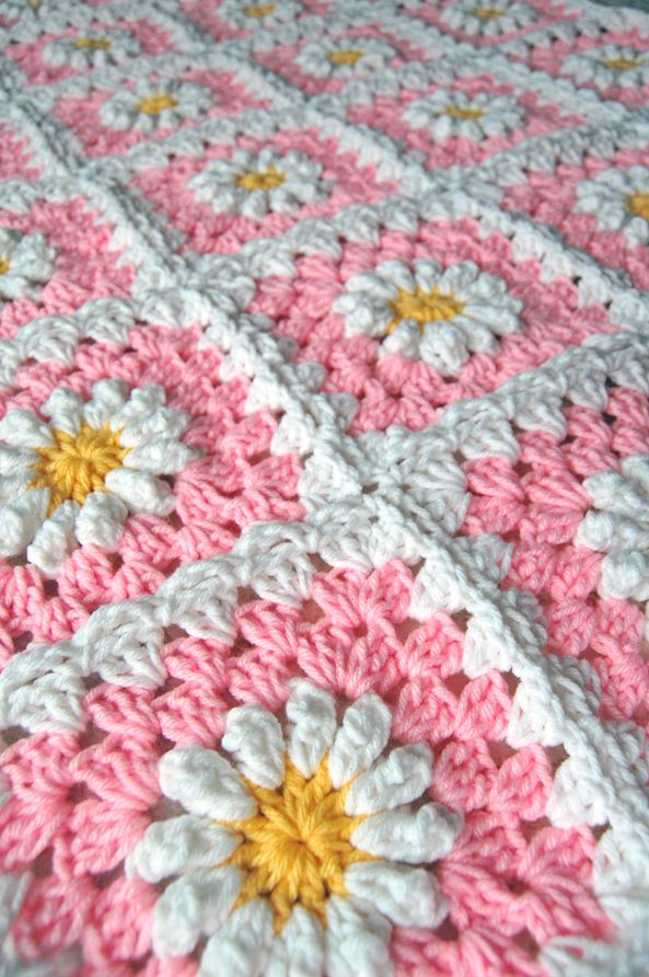 crochet daisy | ... tulip - a handmade mishmosh: New pink daisy blanket almost complete