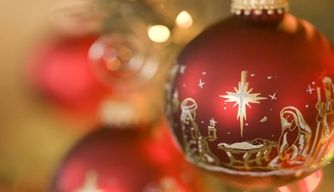Christmas Traditions, Past and Present: Why do we kiss under the mistletoe?
