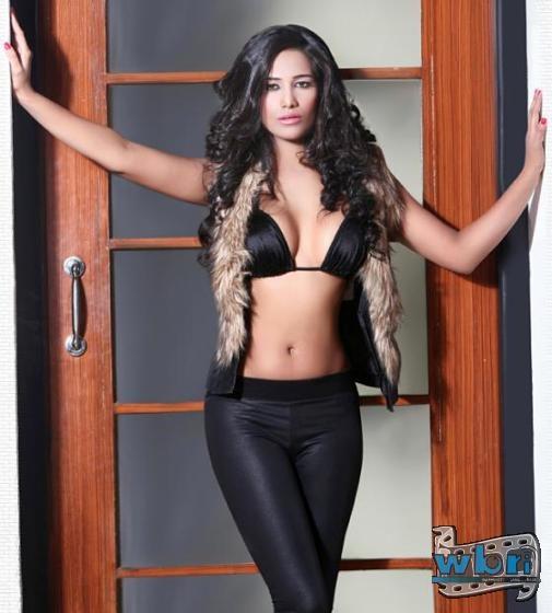 Hot Indian Bollywood Actress Poonam - 68.2KB