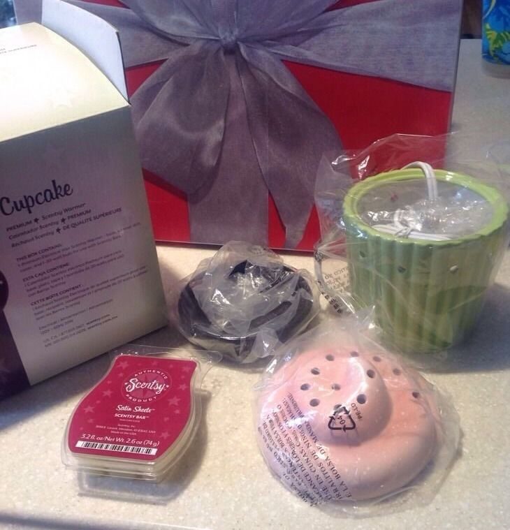New Premium CUPCAKE Scentsy Electric Candle Warmer w/ Satin Sheets Box Bulb #Scentsy