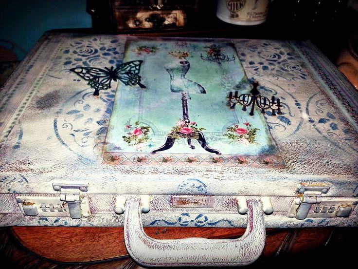 walizka na sprzedaż:) zapraszam :)