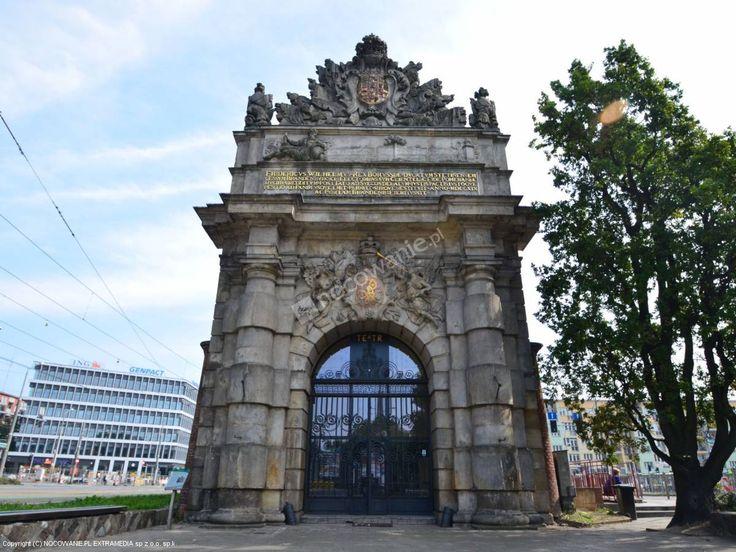 Brama Portowa/ Szczecin, Polska  #Poland, #travel #monuments #architecture