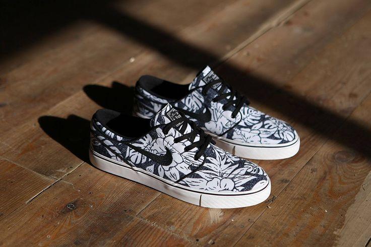 Nike SB Janoski Canvas Premium Floral Black White https://www.popname.cz/cze/produkt.html/nike-sb/footwear/boty-nike-sb-air-zoom-stefan-janoski-canvas-premium-skateboarding-shoes-black-black-white-gum-light-brown