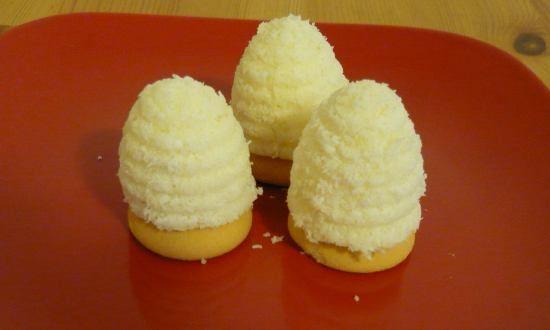 Kokosová vosí hnízda, originální recept na kokosová hnízda