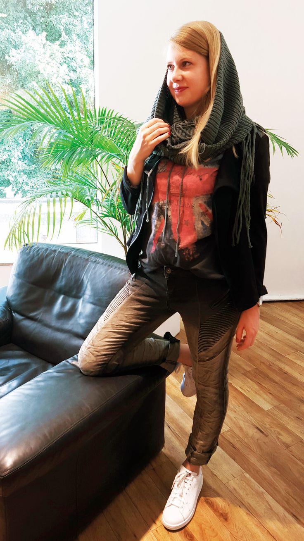 Outfit der Woche! Jersey Blazer: Opus – Shirt: Pepe Jeans – Bikerhose: Buena Vista – Strickloop: Pieces #ootw #fashion